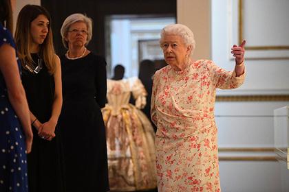 Раскрыто содержимое сумки королевы Великобритании