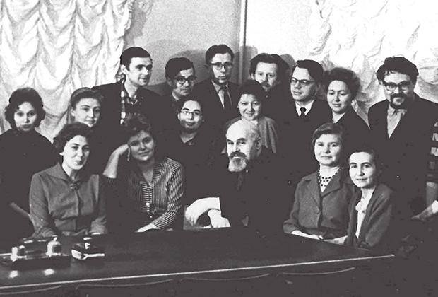 Сектор славянского языкознания, 1961 год (А. А. Зализняк в последнем ряду)