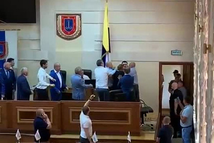 Украинские депутаты избирали председателя и подрались