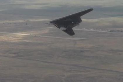 Показан первый полет «Охотника» в паре с истребителем