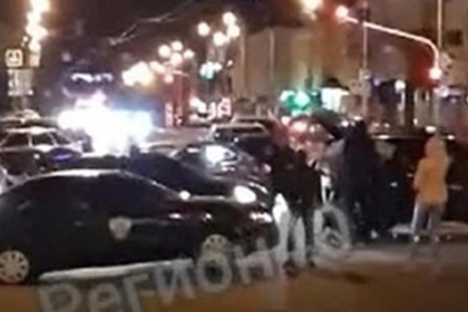 Российская полиция поищет перекрывших дорогу танцоров лезгинки