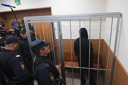 Адвокатов Шишкана раздели до трусов
