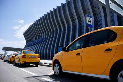 Таксистов в России захотели подвести под новый налог