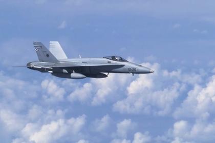 Испанцы раскритиковали истребитель НАТО за сближение с самолетом с Шойгу