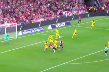 38-летний форвард забил победный гол «Барселоне» ударом ножницами