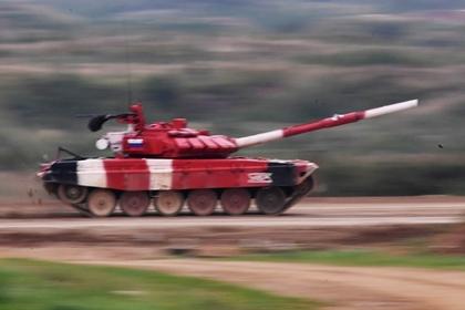Российские военные рекордно разогнали Т-72