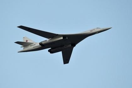 Шойгу объяснил полеты Ту-160 на Чукотку