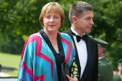 Ангела Меркель появилась на публике в одежде 23-летней давности