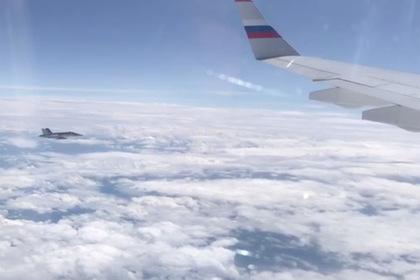 Швейцарский истребитель приблизился к самолету «кремлевского пула»