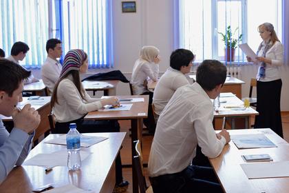 В Чечне заранее запретили смартфоны в школах
