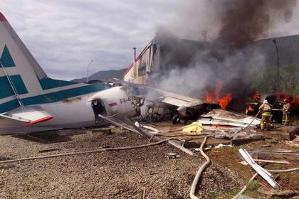 Турчак предложил президенту наградить бортпроводницу потерпевшего аварию Ан-24