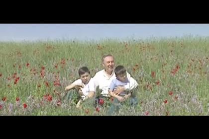 Назарбаев снял клип на собственную песню