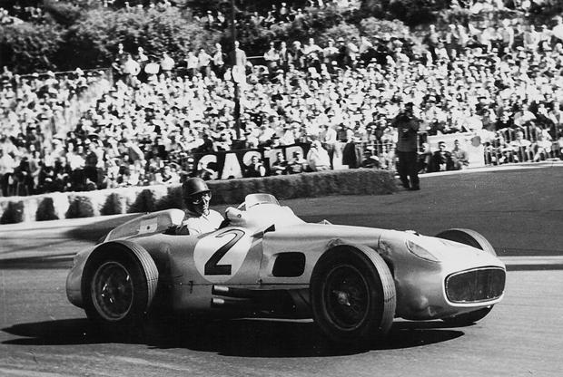 В какой-то момент казалось, что огромный интерес инвесторы испытывают только к старым гоночным Ferrari, пока 12 июля 2013 года с молотка не ушел Mercedes-Benz W196, на котором пятикратный чемпион Формулы-1 Хуан Мануэль Фанхио выиграл Гран-при Швейцарии, а вместе с ним и свой второй чемпионский титул. Историческая ценность и инновационность машины для своего времени обеспечили столь высокую цену. Это самый дорогой Mercedes и самый дорогой болид Формулы-1 в истории.