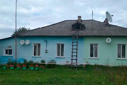 Зарубившего семью российского подростка похоронили отдельно от родных