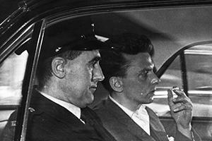 Йэн Брейди (справа)
