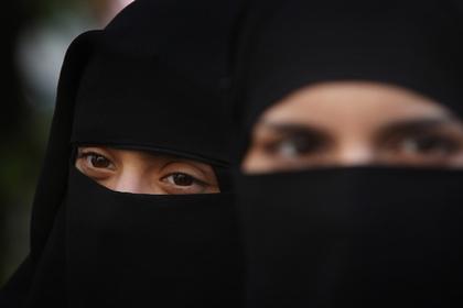 Запрет на паранджу впервые применили в Нидерландах