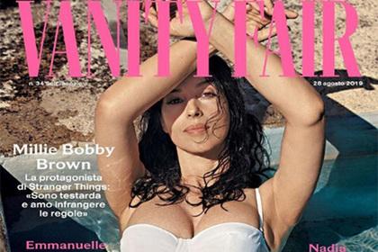 54-летняя актриса снялась в купальнике для обложки модного журнала
