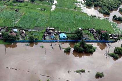 Вода начала покидать затопленный российский регион