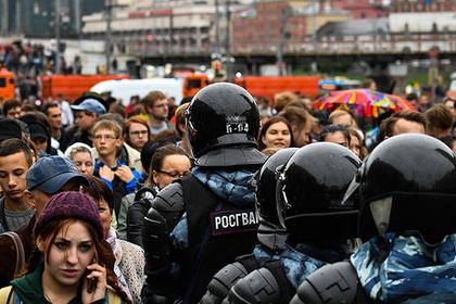 Кремль прокомментировал иски к организаторам несанкционированных митингов
