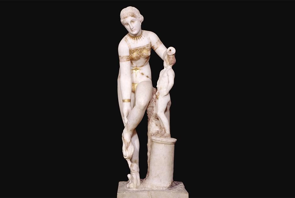 Найденная в Помпеях статуя Венеры — одно из старейших римских изображений бикини. Статуя датируется I веком нашей эры