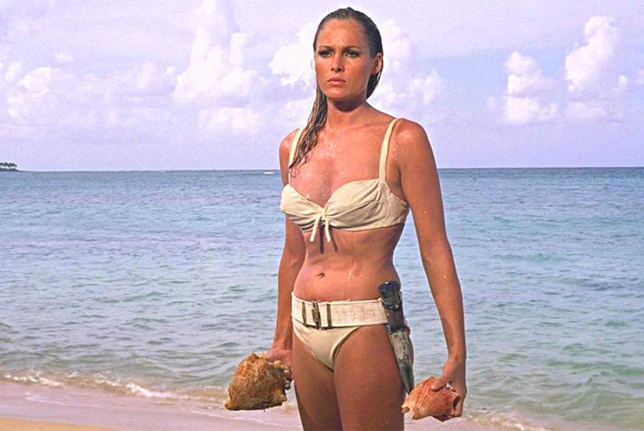 Выход Урсулы Андресс из моря в фильме «Доктор Ноу» сравнивали с «Рождением Венеры» Ботичелли. В ленте «Умри, но не сейчас», которая вышла на экраны в год 40-летнего юбилея первого фильма о Джеймсе Бонде, в бикини из воды выходила уже Холли Берри
