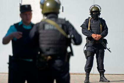 Набитый оружием сейф нашли в московском магазине