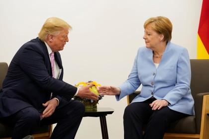 Трамп поговорит с Меркель о зависимости Европы от российского газа