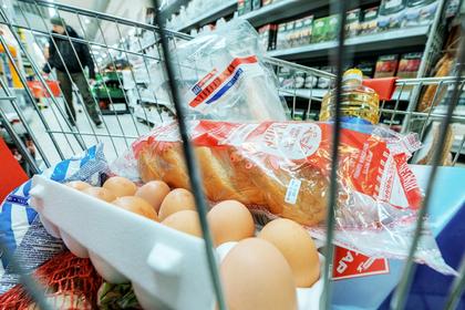 Названа доля голодающих многодетных семей в России