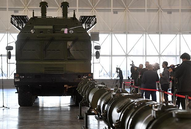 Комплекс «Искандер-М» с крылатой ракетой 9М729