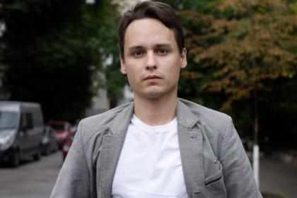 Украинский режиссер устал видеть «уродов у власти» и покинул страну