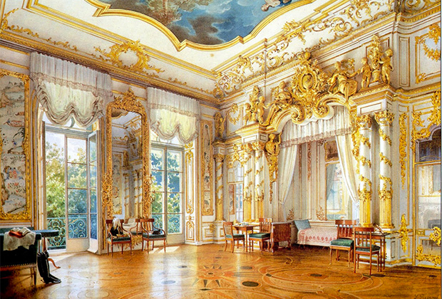 Большой Екатерининский дворец был заложен еще матерью Елизаветы императрицей Екатериной I, но именно при ее дочке приобрел близкий к современному вид.