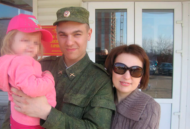 Дмитрий Пчелинцев (в центре)