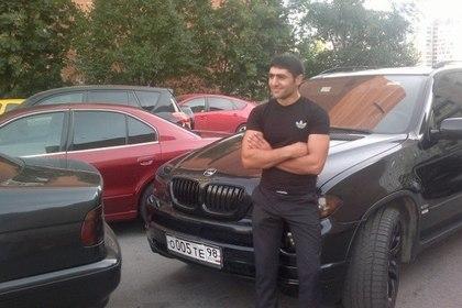 Протаранившего толпу в Петербурге водителя BMW выпустили из-под стражи