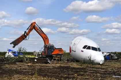 Три дня уничтожения севшего в поле A321 уместили в минуту видео