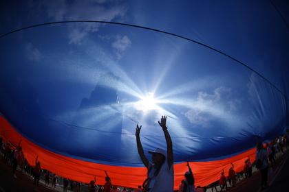 Российская молодежь стала активнее участвовать в праздновании Дня флага