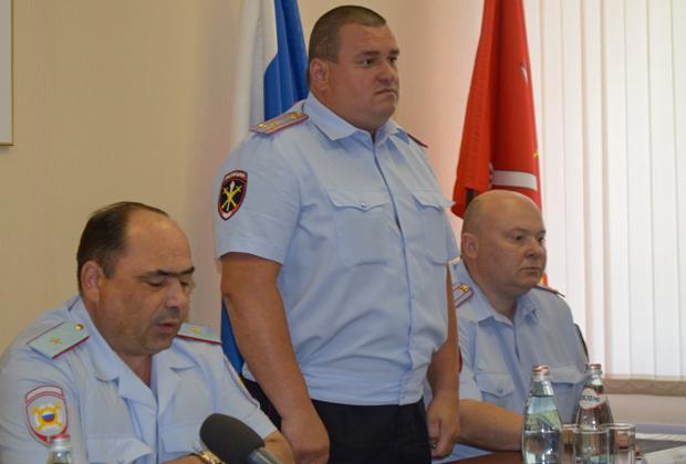 Анатолий Станак (в центре)