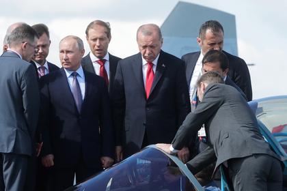Песков незапомнил продавщицу, укоторой Путин два раза покупал мороженое