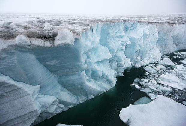 Ледник у острова Чампа архипелага Земля Франца-Иосифа