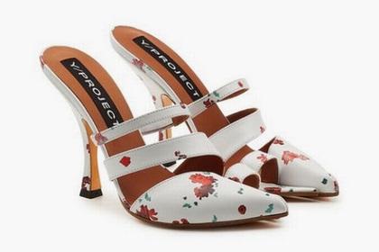 Странные туфли с отделенным пальцем стали новым модным трендом