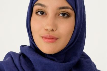 Россиян возмутила первая в стране реклама одежды с моделью в хиджабе