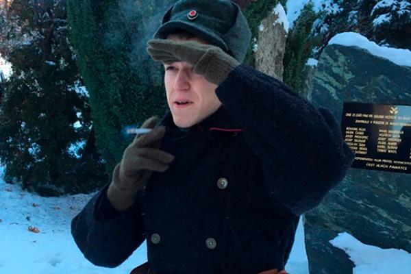 Во время съемок норвежского военного сериала — подработка. Прага