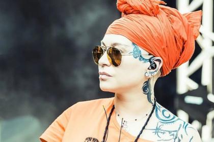 Певица Наргиз извинилась перед Валерией за «телочку в туфлях»