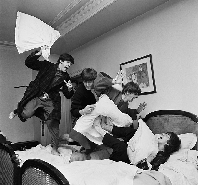 Битва подушками. 3 часа ночи, отель George V, Париж, 1964 год