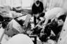 В помещении газеты «Московский комсомолец» взорвана бомба. В результате взрыва от полученных ранений скончался 27-летний журналист Дмитрий Холодов. На снимке: на месте трагедии. Фото ИТАР-ТАСС.
