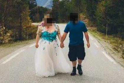 Ленивого жениха обругали за внешний вид на собственной свадьбе