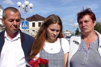 Юлия Горина (в центре)