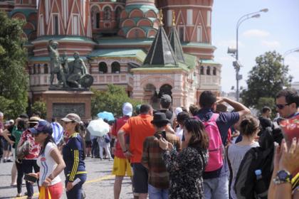 Названы главные иностранцы-любители путешествий по России