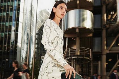 Болезненный вид модели в рекламе Виктории Бекхэм напугал фанатов