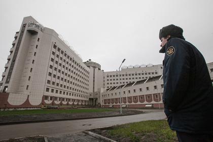 Следователи сочли пятнами краски следы побоев у арестанта из «Крестов-2»