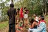 В 1994 году в Руанде произошел геноцид, который, по разным оценкам, унес жизни от 500 тысяч до миллиона человек. Сейчас большинство населения страны — это молодежь, но практически каждый из них помнит о трагедии, которая так или иначе затронула их семьи.  <br> <br> Сейф Коусмат, фотограф-самоучка из Марокко, провел в Руанде больше десяти недель, чтобы понять, чем живут молодые люди в этой стране. За это время он понял, что они продолжают верить в будущее и прикладывают усилия, чтобы воплотить его в жизнь: занимаются музыкой, спортом, танцуют и участвуют в волонтерских проектах.